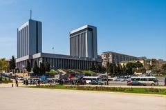 Το Κοινοβούλιο της Δημοκρατίας του Αζερμπαϊτζάν Στοκ φωτογραφία με δικαίωμα ελεύθερης χρήσης