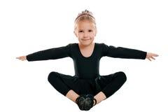 το κορίτσι άσκησης γυμνα&s Στοκ εικόνα με δικαίωμα ελεύθερης χρήσης