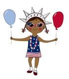 Το κορίτσι έντυσε στα χρώματα ΑΜΕΡΙΚΑΝΙΚΩΝ σημαιών με τα μπαλόνια Στοκ φωτογραφία με δικαίωμα ελεύθερης χρήσης