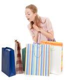 το κορίτσι αγοράζει τις &nu στοκ εικόνες