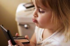 το κορίτσι αποτελεί Στοκ εικόνες με δικαίωμα ελεύθερης χρήσης