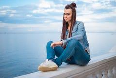 Το κορίτσι απολαμβάνει των διακοπών Στοκ εικόνα με δικαίωμα ελεύθερης χρήσης