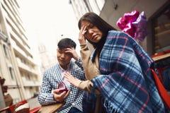 Το κορίτσι αρνείται το αγόρι στην πρόταση γάμου Στοκ φωτογραφία με δικαίωμα ελεύθερης χρήσης