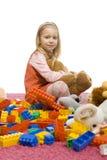 το κορίτσι βρωμίζει το μέσο παιχνίδι στοκ φωτογραφίες με δικαίωμα ελεύθερης χρήσης