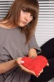 το κορίτσι δίνει τις νεο&lam Στοκ εικόνα με δικαίωμα ελεύθερης χρήσης