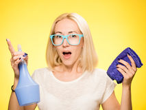 το κορίτσι είναι έτοιμο για τον καθαρισμό Στοκ φωτογραφίες με δικαίωμα ελεύθερης χρήσης