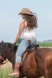 Το κορίτσι και το άλογο Στοκ φωτογραφίες με δικαίωμα ελεύθερης χρήσης