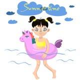 Το κορίτσι κολυμπά με μια διογκώσιμη διανυσματική εικόνα μονοκέρων ελεύθερη απεικόνιση δικαιώματος
