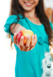 Το κορίτσι κρατά το μήλο Στοκ Εικόνες
