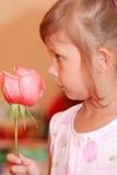 το κορίτσι λίγο αυξήθηκ&epsilon Στοκ Φωτογραφίες