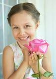 το κορίτσι λουλουδιών λίγο αυξήθηκε Στοκ Εικόνες