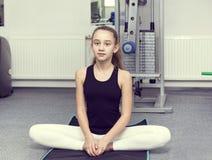 το κορίτσι πηγαίνει αθλη&ta Στοκ φωτογραφία με δικαίωμα ελεύθερης χρήσης