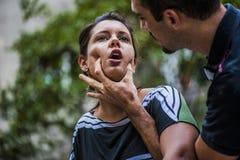 Το κορίτσι πνίγει Στοκ φωτογραφία με δικαίωμα ελεύθερης χρήσης