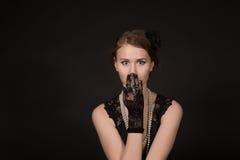 Το κορίτσι στην αναδρομική εικόνα Στοκ Εικόνες