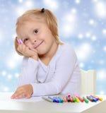Το κορίτσι σύρει με τους δείκτες Στοκ Εικόνα