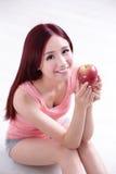 Το κορίτσι υγείας απολαμβάνει τη Apple Στοκ εικόνα με δικαίωμα ελεύθερης χρήσης