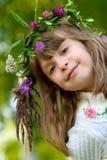 το κορίτσι χαμογελά το σ& Στοκ φωτογραφία με δικαίωμα ελεύθερης χρήσης