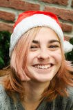 το κορίτσι Χριστουγέννων ομορφιάς αποτελεί Στοκ Εικόνα