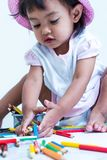 Το κοριτσάκι είναι ευτυχές στοκ εικόνες με δικαίωμα ελεύθερης χρήσης