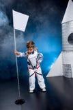 το κοστούμι αγοριών αστροναυτών απομόνωσε το λευκό Στοκ εικόνες με δικαίωμα ελεύθερης χρήσης