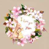 Το κουνέλι Mom αγκαλιάζει το παιδί της στο στεφάνι λουλουδιών μήλων Ευχετήρια κάρτα για την ημέρα μητέρων watercolor Στοκ Εικόνα