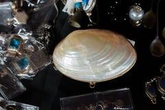 το κοχύλι μαργαριταριών ως αντικείμενο κοχυλιών θάλασσας στοκ εικόνες