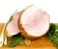 το κρέας που καπνίζεται νόστιμο χωρίζει κατά διαστήματα Στοκ Εικόνες