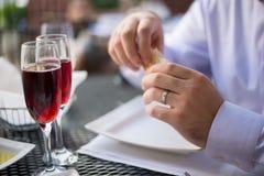 Το κρασί και δειπνεί Στοκ Εικόνα