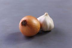 Το κρεμμύδι και το σκόρδο Στοκ φωτογραφία με δικαίωμα ελεύθερης χρήσης