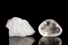 Το κρύσταλλο χαλαζία, άκοπο και πέφτει τη λήξη στοκ εικόνα