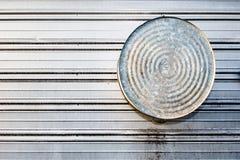 το κτήριο κρεμά washtub Στοκ φωτογραφία με δικαίωμα ελεύθερης χρήσης