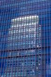 το κτήριο τα Windows γραφείων Στοκ Φωτογραφία