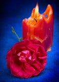 το κόκκινο κεριών αυξήθηκ Στοκ φωτογραφίες με δικαίωμα ελεύθερης χρήσης