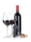 Το κόκκινο κρασί, ανοιχτήρι, βουλώνει και θερμόμετρο Στοκ εικόνα με δικαίωμα ελεύθερης χρήσης