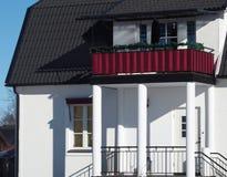 Το κόκκινο μπαλκόνι Στοκ Εικόνες