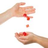 Το κόκκινο πέντε χωρίζει σε τετράγωνα τη ρίψη από ένα χέρι Στοκ Φωτογραφίες