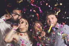Το κόμμα σφυρίζει τη διασκέδαση στοκ φωτογραφία με δικαίωμα ελεύθερης χρήσης