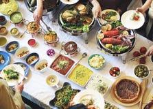 Το κόμμα τροφίμων γεύματος γιορτάζει την έννοια γεγονότος εστιατορίων καφέδων Στοκ Εικόνα