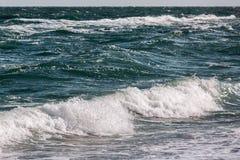 Το κύμα θύελλας θάλασσας, θαλάσσιο υπόβαθρο Στοκ Φωτογραφία