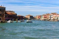 Το κύριο κανάλι του νησιού Murano, Βενετία, Ιταλία Στοκ εικόνα με δικαίωμα ελεύθερης χρήσης