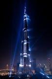 Το λέιζερ Khalifa Burj εμφανίζει στην εγκαινίαση Στοκ Φωτογραφία