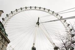 Το μάτι του Λονδίνου είναι μια γιγαντιαία ρόδα ferris στην πόλη του Λονδίνου, Μεγάλη Βρετανία Στοκ Εικόνες