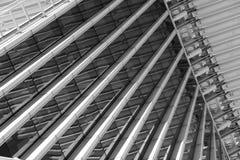 Το μέταλλο και το γυαλί συναντιούνται Στοκ Εικόνες