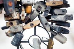 Το μέταλλο κλειδώνει το ασήμι Στοκ Φωτογραφία