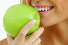 το μήλο τρώει Στοκ Εικόνες