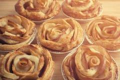 Το μίνι μήλο αυξήθηκε πίτες Στοκ φωτογραφίες με δικαίωμα ελεύθερης χρήσης