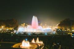 Το μαγικό φως πηγών εμφανίζει στη Βαρκελώνη, Ισπανία Στοκ Φωτογραφίες