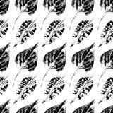 Το μαύρο άσπρο τυπωμένο φθινόπωρο αφήνει το άνευ ραφής σχέδιο Στοκ εικόνες με δικαίωμα ελεύθερης χρήσης
