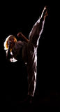 το μαύρο κιμονό λακτίσματ&omic Στοκ φωτογραφία με δικαίωμα ελεύθερης χρήσης