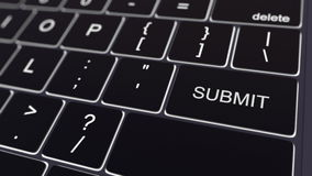 Το μαύρο πληκτρολόγιο υπολογιστών και η πυράκτωση υποβάλλουν το κλειδί τρισδιάστατη εννοιολογική απόδοση στοκ φωτογραφία με δικαίωμα ελεύθερης χρήσης